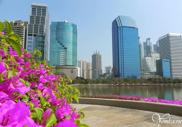 Парк Benjakitti в Бангкоке