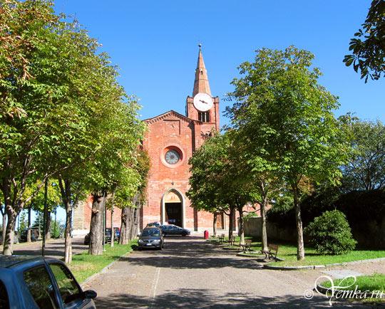 Часовня Santuario Madre della Divina Grazia, Пинероло, Италия
