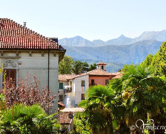 Пинероло, вид на город и горы