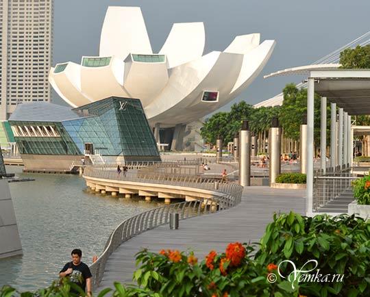 На фото: Сингапур, набережная Марина Бэй Сэндс